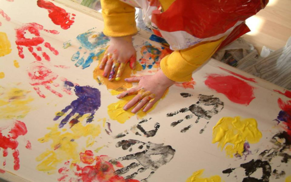 Kinderen en afscheid  I  Kist beschilderen